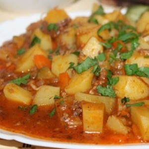 как приготовить картошку с тушенкой