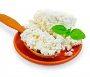 Подборка лучших рецептов с фото для приготовления творога из молока в мультиварках Редмонд и Поларис.