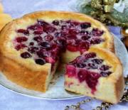 Несколько вкуснейших рецептов пирога с вишней в мультиварках на любой вкус.