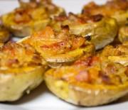 Несколько отличных рецептов приготовления запеченной картошки в мультиварках Редмонд и Поларис. Пошаговые инструкции и фото.