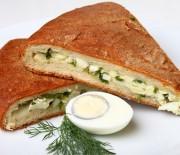 Пара рецептов самых вкусных пирогов с луком и яйцом в мультиварках с пошаговыми объяснениями.