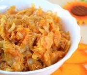 Попробуйте нежный вкус тушеной капусты с курицей в мультиварке -лучшие рецепты.