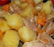 Лучшие рецепты приготовления тушенной картошки с курицей в мультиварках.
