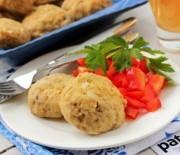 Здоровое питание: готовим куриные котлеты на пару в мультиварке.